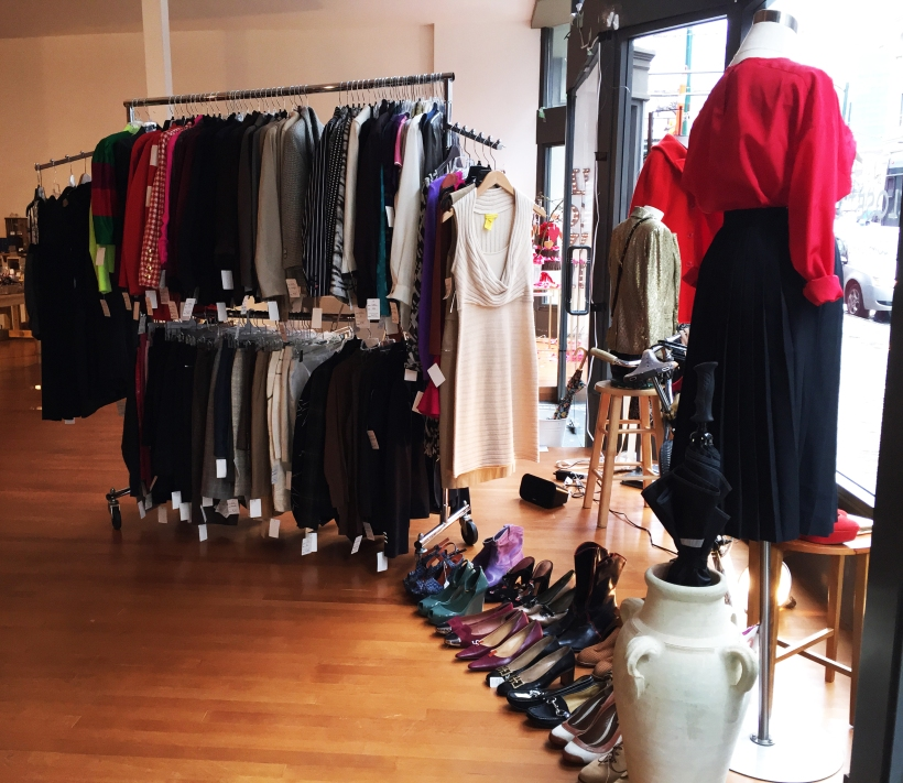 closet crows, popup, kkc, kitsilano, helen siwak, online shopping, ecofriendly, sustainable, fashion, ecoluxury, luxury, designers, secondhand, preloved