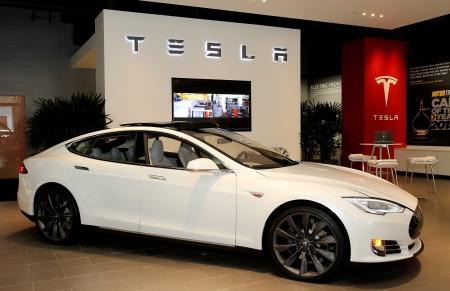 tesla, vancouver, yvr, helen siwak, hybrid, electric car